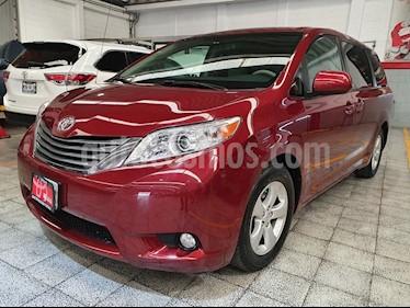 Toyota Sienna XLE 3.5L usado (2014) color Rojo precio $299,000