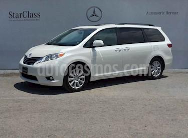 Toyota Sienna 5p XLE V6/3.5 Aut Q/C Piel usado (2017) color Blanco precio $429,900