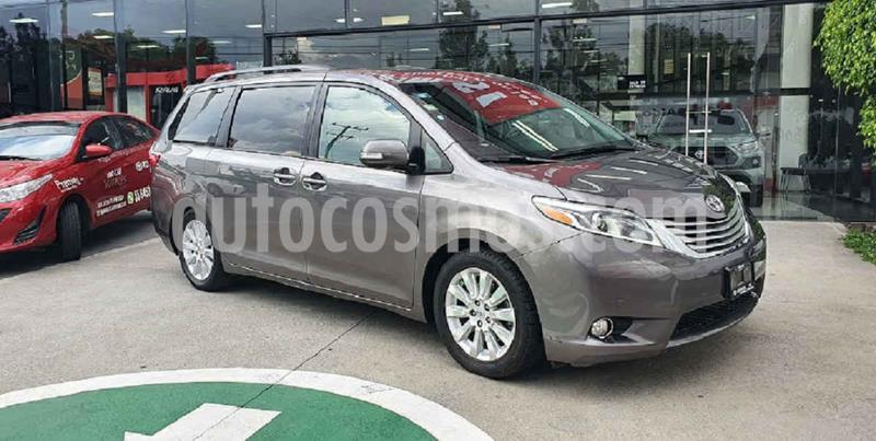 Toyota Sienna XLE 3.5L usado (2015) color Gris precio $339,000