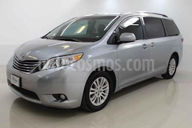 Toyota Sienna 5p XLE V6/3.5 Aut usado (2016) color Plata precio $310,000