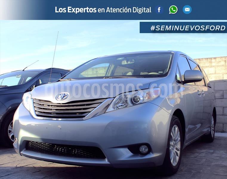 Toyota Sienna 3.5 CE AT usado (2012) color Plata precio $275,000