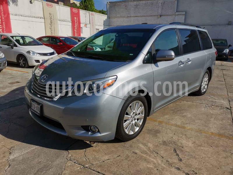 Toyota Sienna Limited 3.5L usado (2015) color Plata precio $387,500