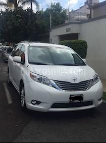 Toyota Sienna XLE 3.3L Piel usado (2013) color Blanco precio $260,000