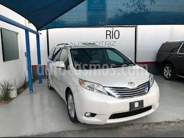 Toyota Sienna Limited 3.3L usado (2012) color Blanco precio $259,000
