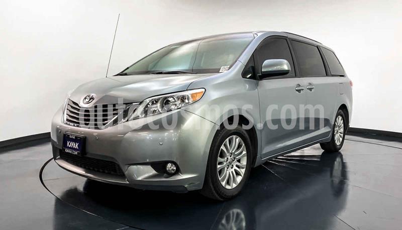 Toyota Sienna XLE 3.5L usado (2014) color Plata precio $292,999