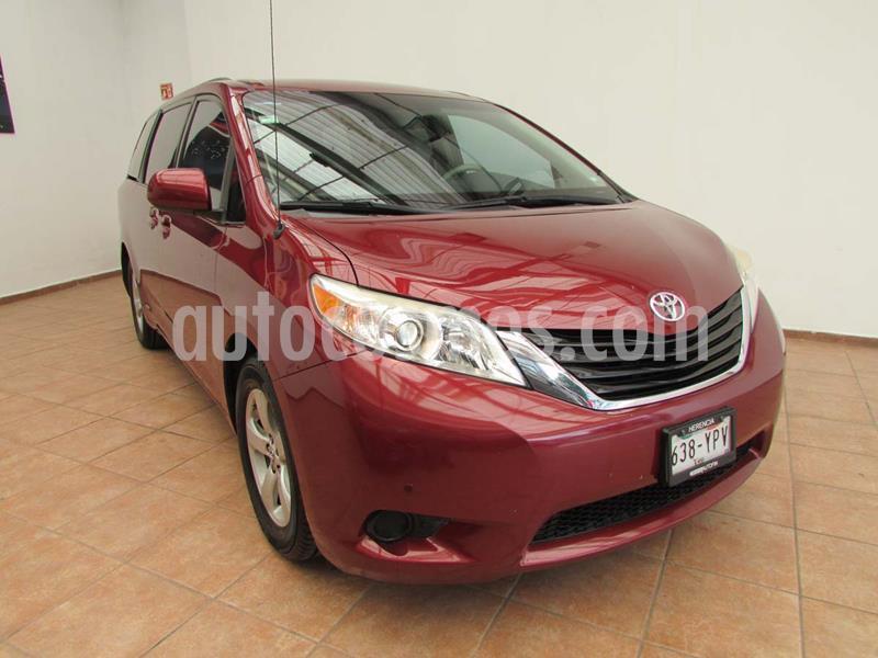 Toyota Sienna LE 3.5L usado (2013) color Rojo precio $230,000