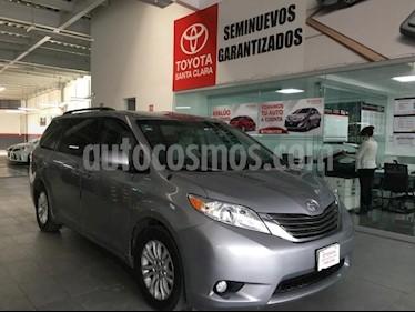 Toyota Sienna 5P XLE TA BA BL CONSOLA EN TOLDO RA-17 usado (2014) color Plata precio $275,000