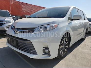 Toyota Sienna XLE 3.5L Piel usado (2018) color Blanco Perla precio $535,000