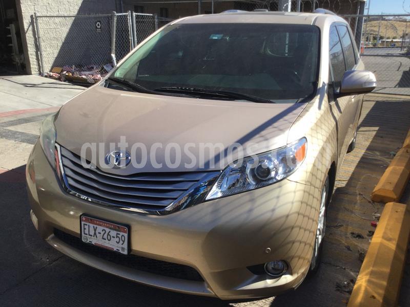 Toyota Sienna Limited 3.5L usado (2013) color Dorado precio $298,000