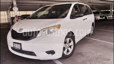 Toyota Sienna CE 3.5L usado (2015) color Blanco precio $279,000