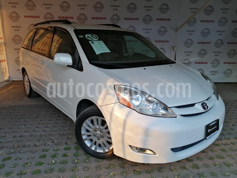 Toyota Sienna XLE 3.5L Piel usado (2010) color Blanco precio $175,000