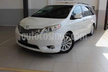 Toyota Sienna 5p Limited V6/3.5 Aut usado (2014) color Blanco precio $282,000
