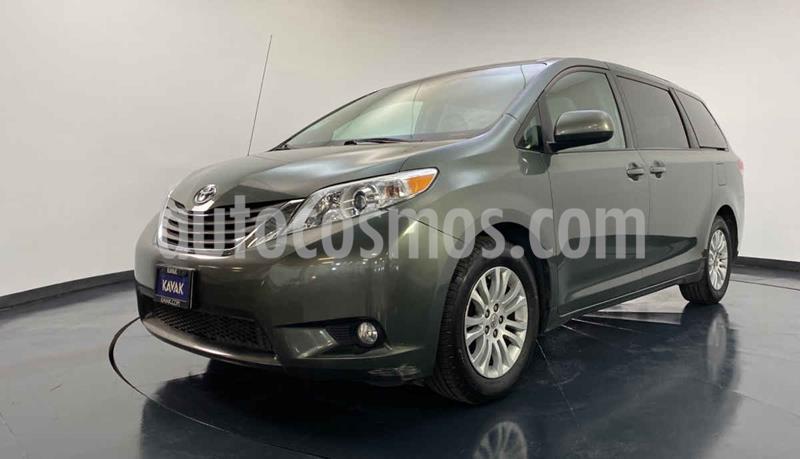 Toyota Sienna XLE 3.5L usado (2014) color Gris precio $297,999