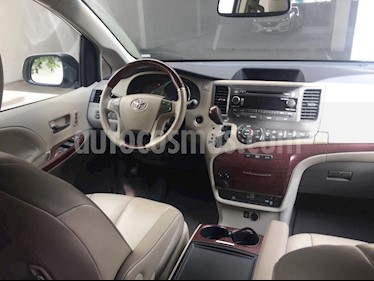 Toyota Sienna XLE 3.5L Piel usado (2013) color Blanco precio $325,000
