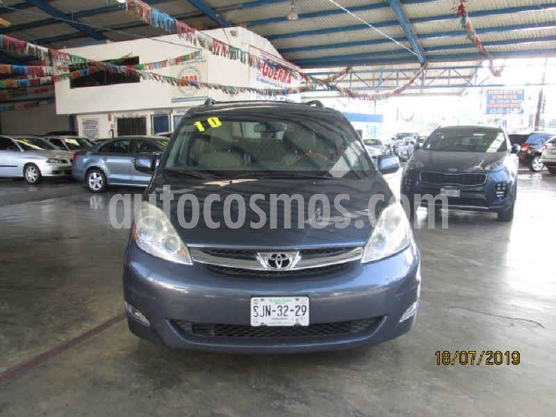 Foto Toyota Sienna Limited 3.3L usado (2010) color Azul precio $180,000