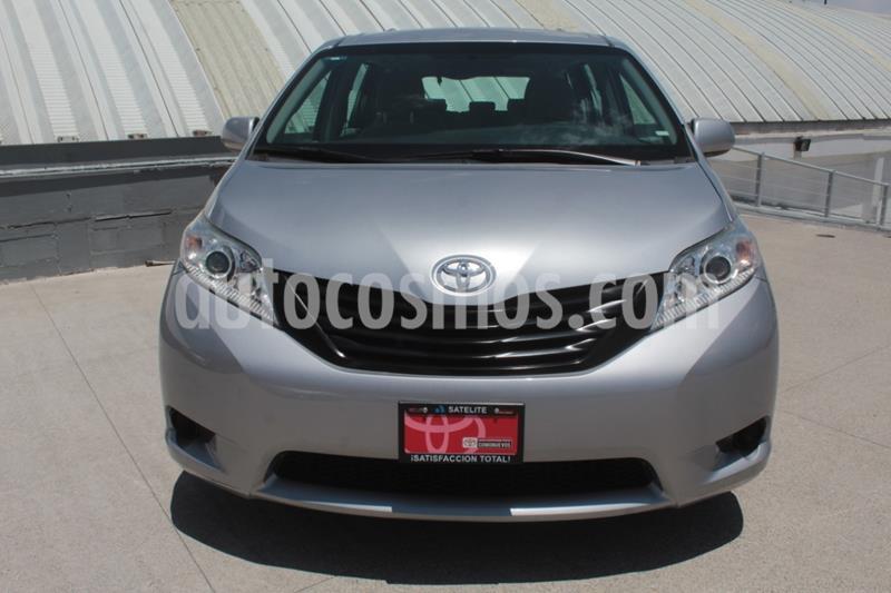 Toyota Sienna CE 3.5L usado (2017) color Plata precio $320,000