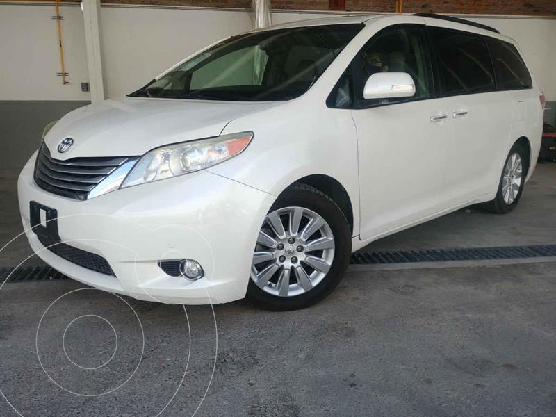 Foto Toyota Sienna Limited 3.5L usado (2014) color Blanco precio $315,000