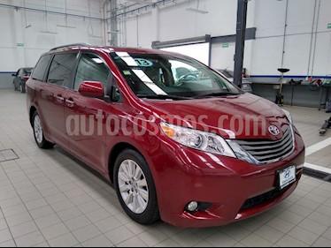 Toyota Sienna XLE 3.5L Piel usado (2013) color Rojo precio $275,000