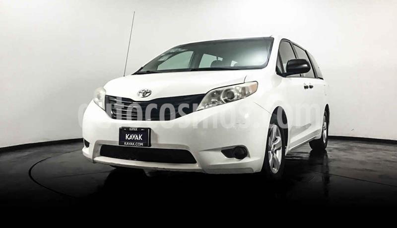 Toyota Sienna CE 3.5L usado (2014) color Blanco precio $254,999