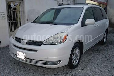 Toyota Sienna XLE 3.3L usado (2005) color Blanco precio $105,000