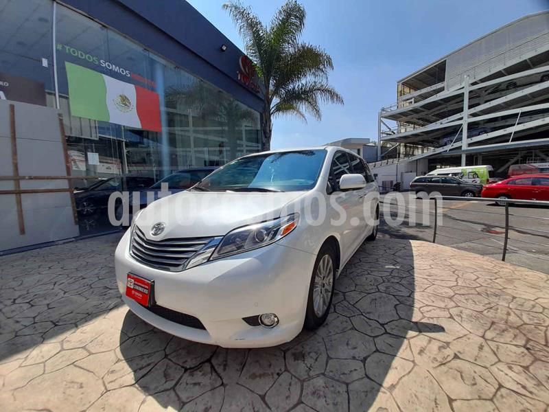 Toyota Sienna Limited 3.5L usado (2015) color Blanco precio $398,000