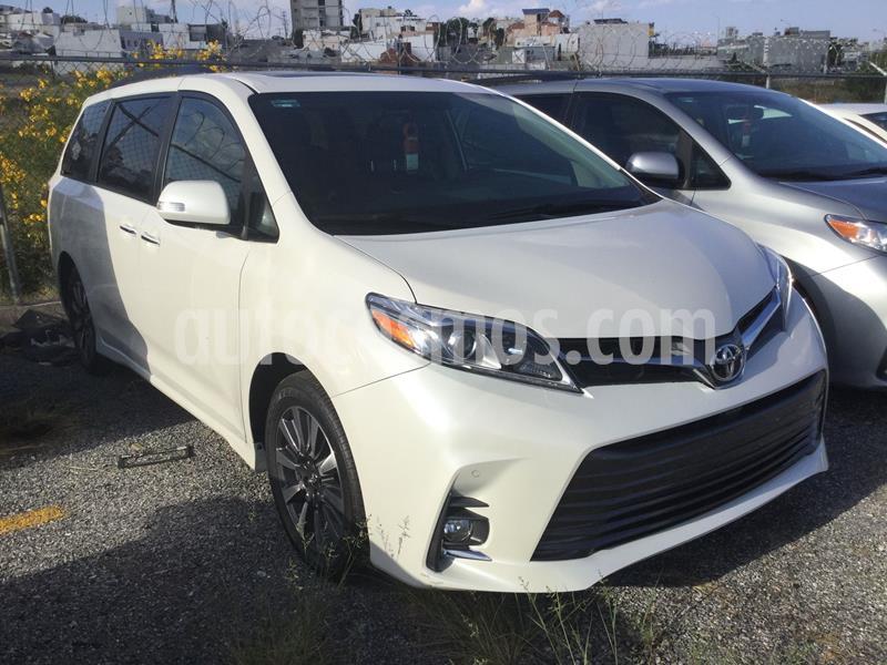 Toyota Sienna Limited 3.5L usado (2020) color Blanco precio $820,000