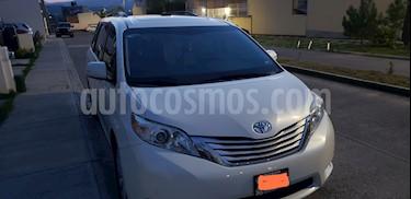 Toyota Sienna Limited 3.5L usado (2013) color Blanco precio $329,000