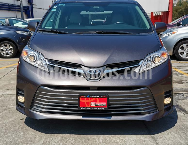 Toyota Sienna XLE 3.5L Piel usado (2019) color Gris precio $538,000