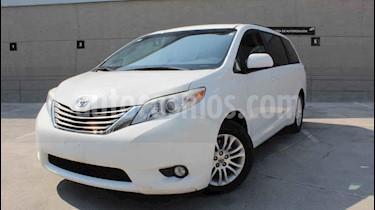 Toyota Sienna 5p XLE V6/3.5 Aut usado (2014) color Blanco precio $240,000