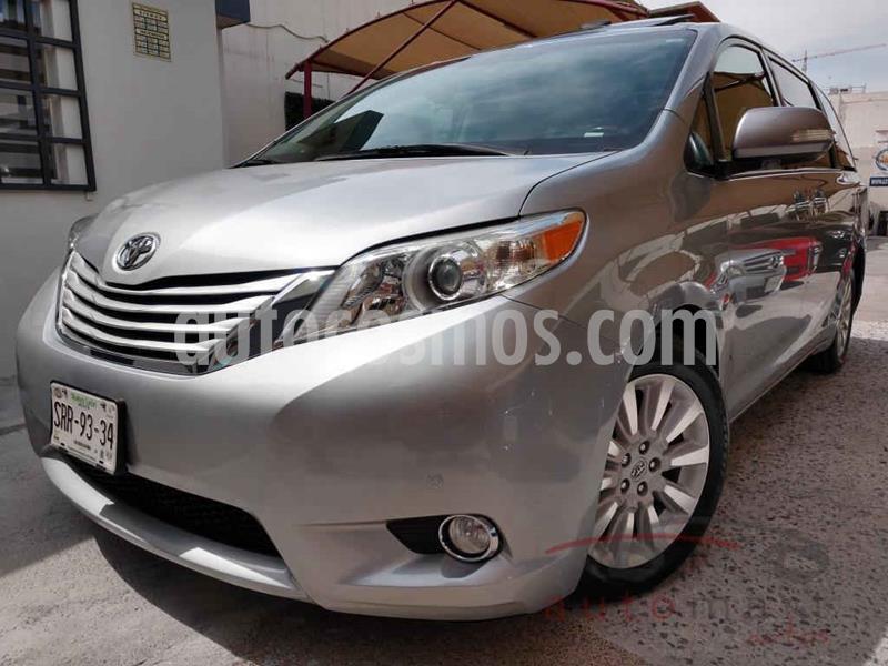 Toyota Sienna Limited 3.3L usado (2013) color Plata precio $279,000