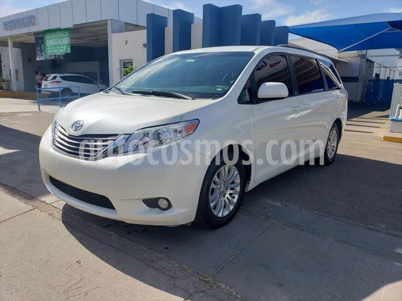 Toyota Sienna XLE 3.5L usado (2015) color Blanco precio $295,000
