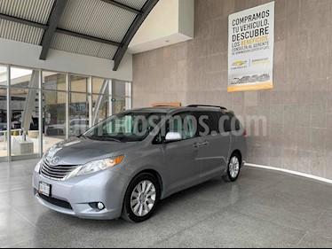foto Toyota Sienna XLE 3.3L Piel usado (2013) color Gris precio $285,000