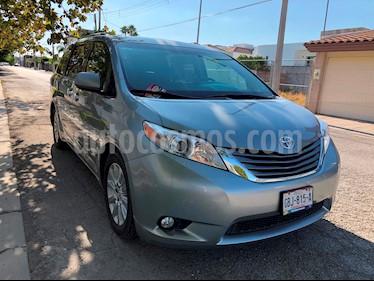 Foto venta Auto usado Toyota Sienna XLE 3.3L Piel (2015) color Gris Plata  precio $356,000