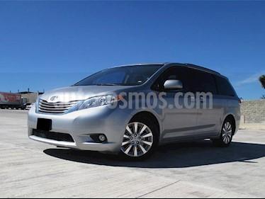 foto Toyota Sienna XLE 3.3L Piel usado (2012) color Gris Plata  precio $285,000