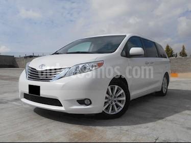 Foto venta Auto Seminuevo Toyota Sienna XLE 3.3L Piel (2011) color Blanco