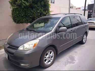 Foto venta Auto usado Toyota Sienna XLE 3.3L (2005) color Gris precio $85,000