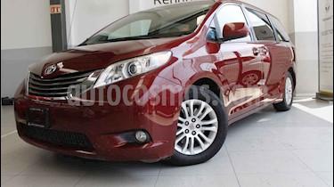Foto venta Auto usado Toyota Sienna XLE 3.3L (2013) color Rojo precio $245,000
