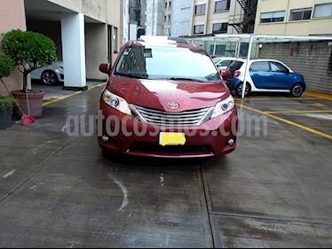 Foto Toyota Sienna XLE 3.5L Piel usado (2013) color Rojo Obscuro precio $272,000