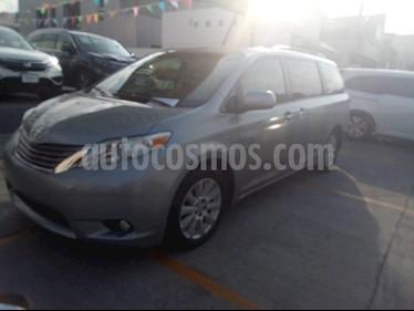 Foto venta Auto usado Toyota Sienna XLE 3.5L Piel (2013) color Plata precio $230,000
