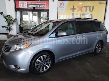 Foto venta Auto usado Toyota Sienna XLE 3.5L Piel (2017) color Plata precio $499,000