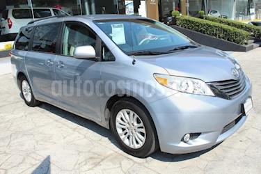 Foto venta Auto usado Toyota Sienna XLE 3.5L Piel (2013) color Plata precio $285,000