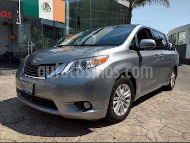Foto venta Auto usado Toyota Sienna XLE 3.5L (2013) color Plata precio $285,000