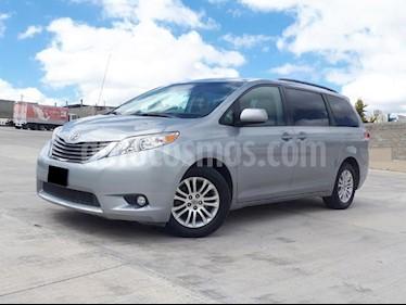 Foto venta Auto usado Toyota Sienna XLE 3.5L (2014) color Plata precio $315,000