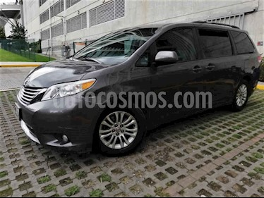 foto Toyota Sienna XLE 3.5L usado (2012) color Gris precio $195,000