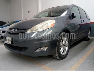 Foto venta Auto Seminuevo Toyota Sienna XLE 3.5L (2006) color Gris precio $110,000