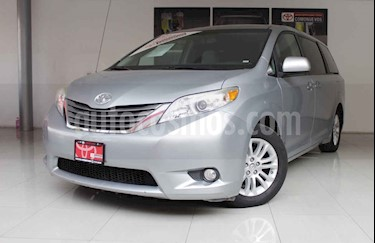 Foto venta Auto usado Toyota Sienna XLE 3.5L (2014) color Plata precio $295,000