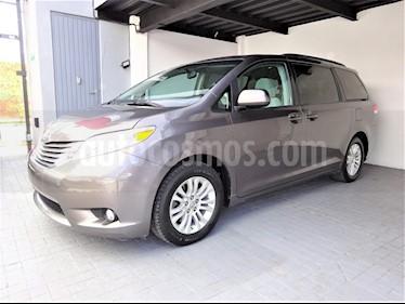 Foto venta Auto usado Toyota Sienna XLE 3.5L (2013) color Gris Oscuro precio $309,000