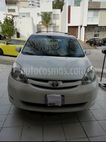 Toyota Sienna XLE 3.5L usado (2007) color Blanco precio $117,000