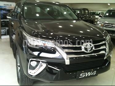 Toyota SW4 SRX 7 Pas Aut nuevo color Gris Oscuro precio $3.637.800