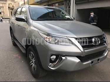 Toyota SW4 SR 5 Pas Aut nuevo color Gris Oscuro precio $3.172.700